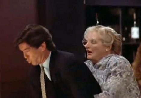 Escena de atoramiento de Mrs. Doubtfire